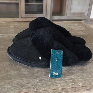 NWT Emu Australia size 7 Black Jolie Slippers